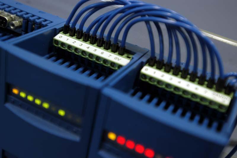 programabilni kontroler microInfo